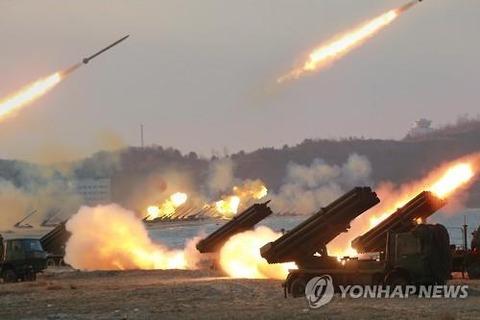 新型122ミリロケット砲