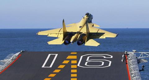 欠陥戦闘機J-15(殲15)は「治癒不可能」なのか?1