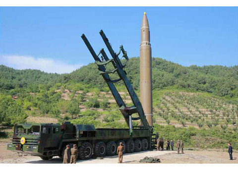 大陸間弾道ミサイルの発射実験1