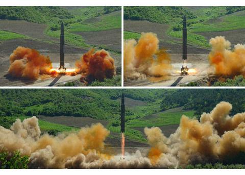 大陸間弾道ミサイルの発射実験