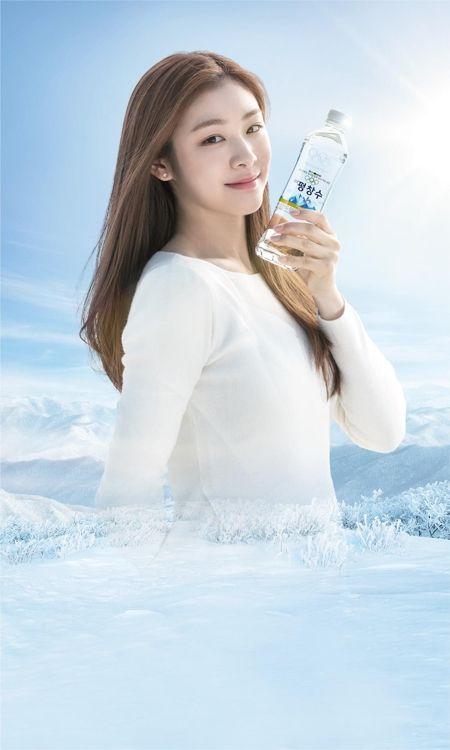キム・ヨナさん 平昌五輪公式飲料水のモデルに
