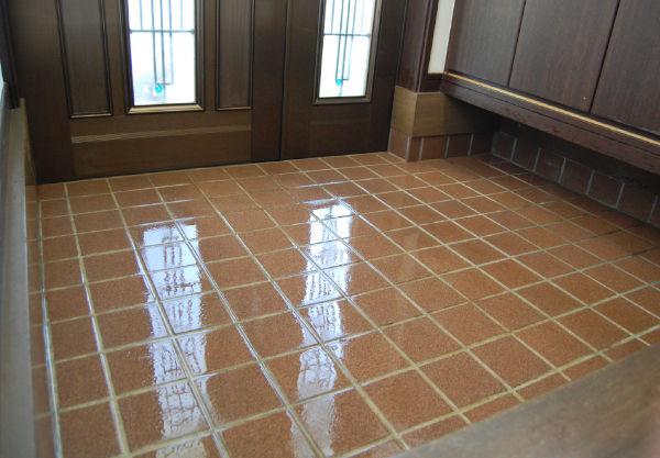 玄関 タイル 掃除 玄関タイル・石畳の掃除8ステップ!掃除方法とコツを知って簡単に開運...