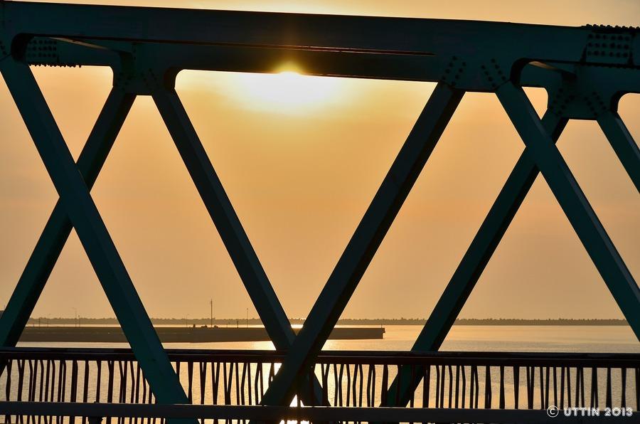 望洋橋~ロマンチックなシルエット~