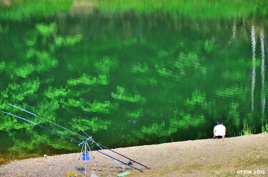 鏡のような水面~早来の瑞穂ダム~