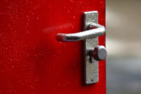 door-handle-3633943_1920