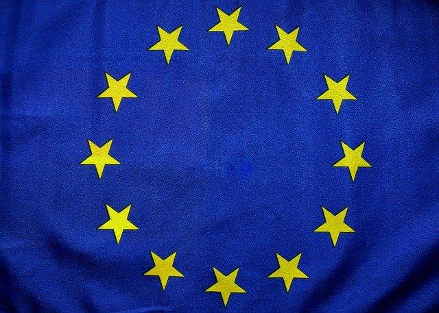euro-flag-1776253_640
