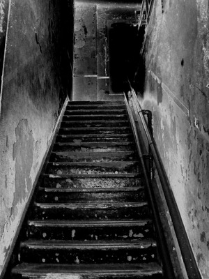 stairs-205718_1920