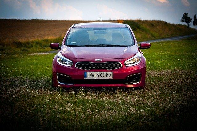 car-2616096_640