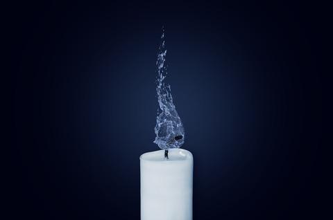 candle-1042087_1920