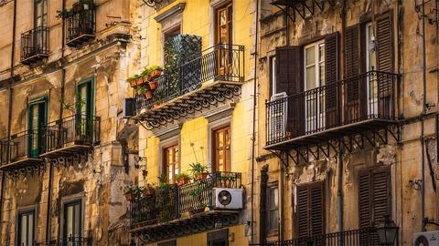 house-facade-4036809__480