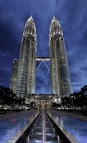 400px-Petronas_Panorama_II