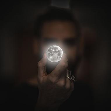 moon-2134881__480
