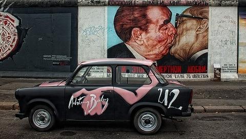 berlin-wall-50727_640