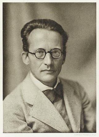 450px-Erwin_Schrödinger_(1933)