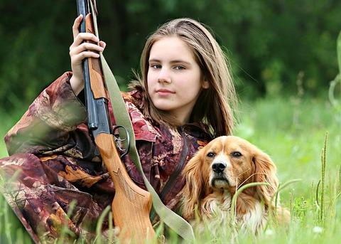 hunter-1503082__480