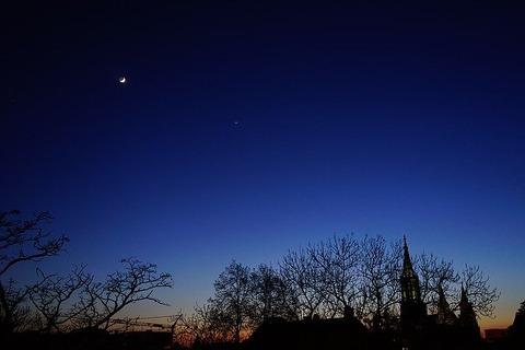 evening-sky-1365812_640