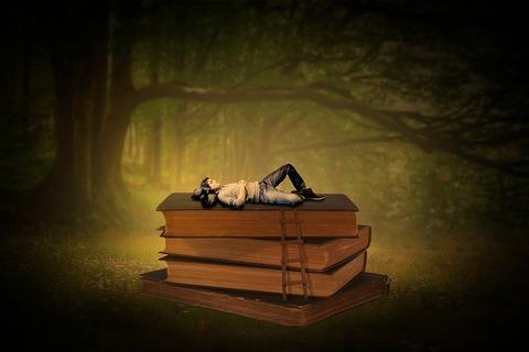 books-4287208_1280