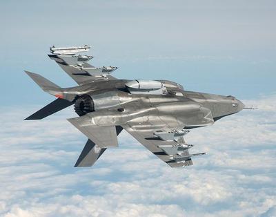 military-jet-1131094__480