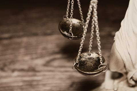justice-4592723_1920