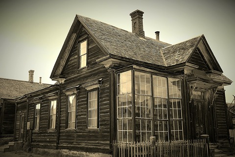 abandones-house-177105_1920
