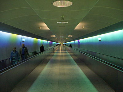400px-Frankfurt_Airport_tunnel