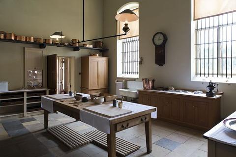 victorian-kitchen-770286__480