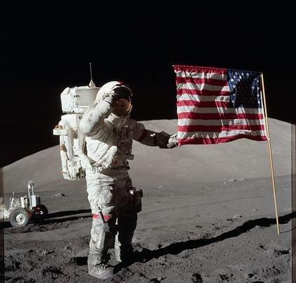 astronaut-639570__480