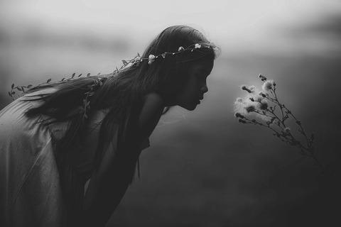 young-girl-1149701__480