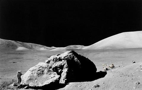 lunar-surface-11088__480