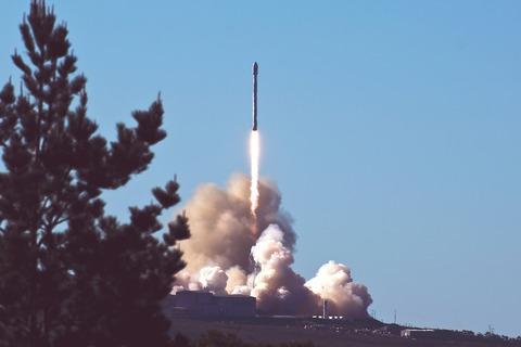rocket-2587934_1920