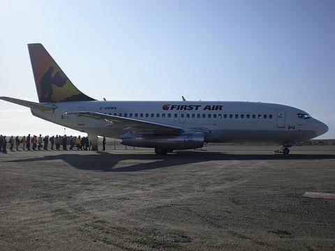 500px-FAB_B732_C-GNWN_at_Cambridge_Bay_Airport