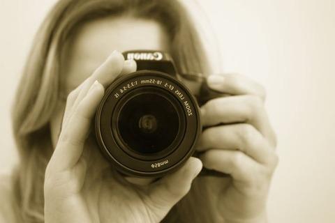 photographer-16022__480