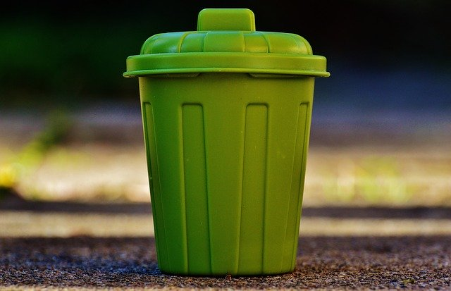 garbage-can-1111449_640