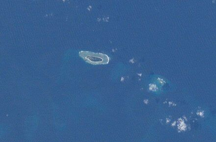 440px-Taiping_Island_and_Zhongzhou_Reef_ISS