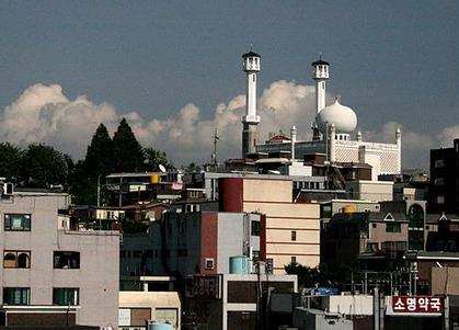500px-Korea-Seoul-Itaewon-Seoul_Central_Mosque-01