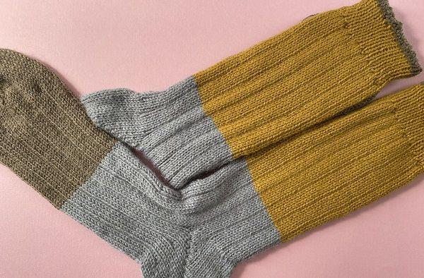 アースカラー3色の秋冬用シンプルくつ下