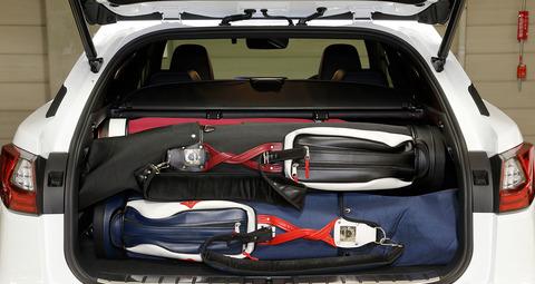 ゴルフバッグ4つ積める車