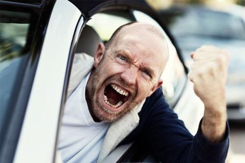 二人で車乗ってるときにパッパが「早く行けよ!」とか知らない車にキレだしたとき気まずい・・・