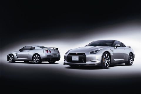 軽自動車の新車買うより中古の高級車買って色々乗り変えしたほうが楽しいだろ?