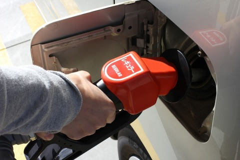 車のガソリンを毎回1000円分しか入れない