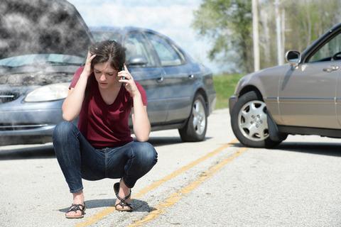 【悲報】マルチ商法やってる友達、車にイタズラされるwwwww