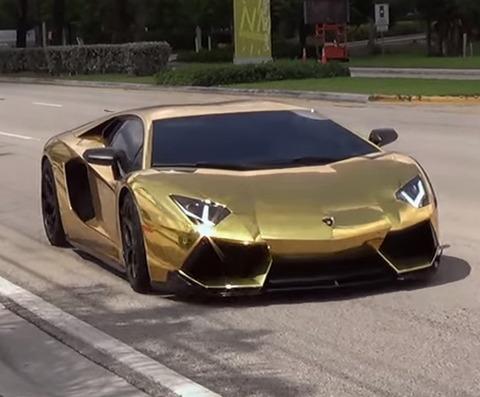 世界最高のバイクと世界最高の車