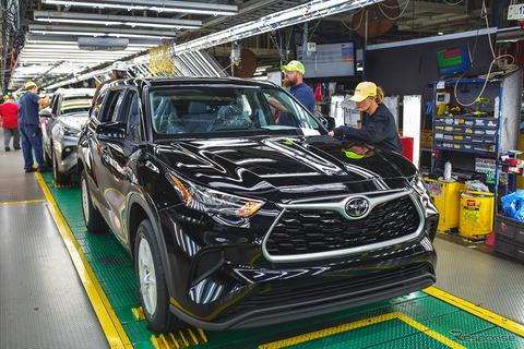 トヨタ、全世界生産再開へ