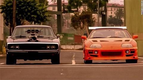 ワイルドスピードって最初の頃はちゃんと車の映画で面白かったけどただのアクション映画でつまらない
