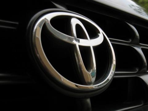 車のメーカーって基本創業者の名前