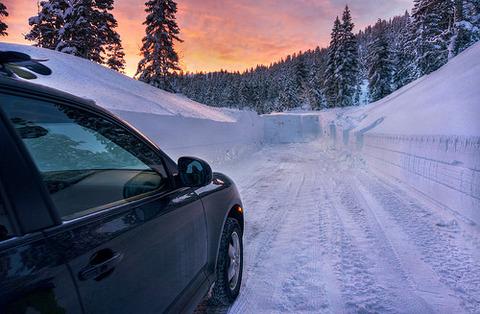 雪積もった日に