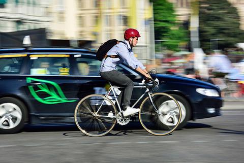 自転車は車道を走らないといけない
