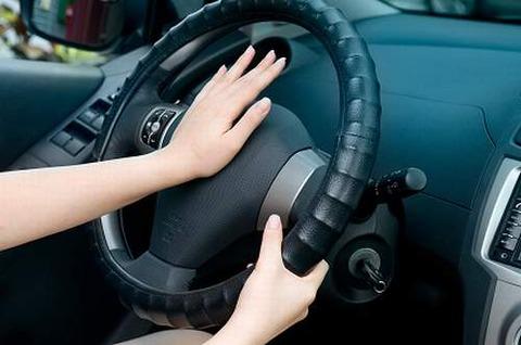 自動車のクラクションは廃止して運転してる人の声をマイクから出すようにしたら・・・