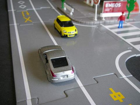 右折するとき一度車を左にふる人