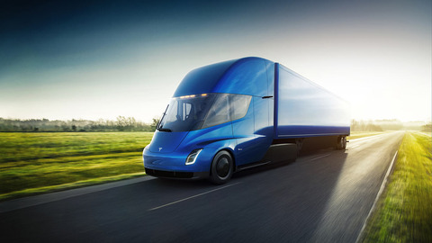 【自動運転】自動運転カー技術はまず「長距離トラック」の分野で実現される可能性、その理由とメリットとは?